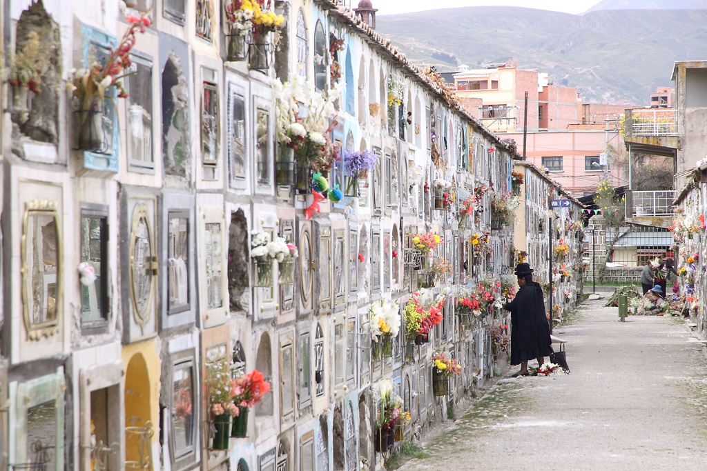 21_Cemetery_wall